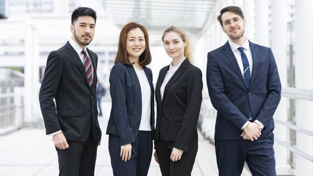 外資系企業で働く人たち