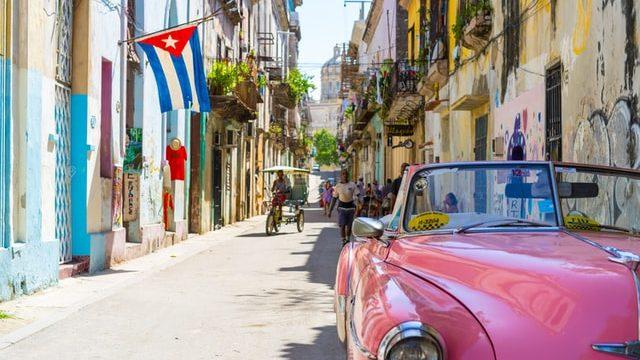 キューバ勤務中の様子