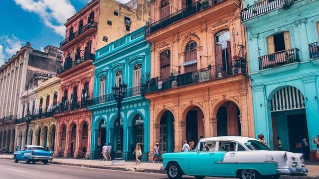 キューバの勤務先の街並み