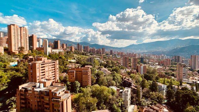 コロンビアで求人を出している企業