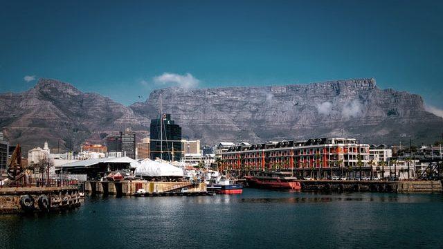 南アフリカで働くにはビザが必要